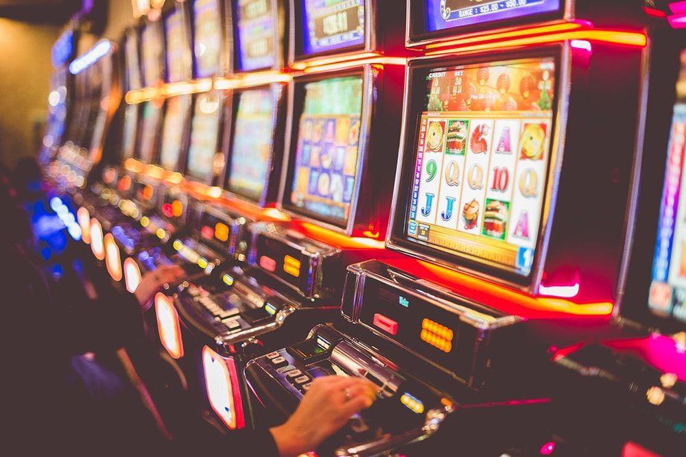 Игровые аппараты со ставками на гривны в казино Mono Slot